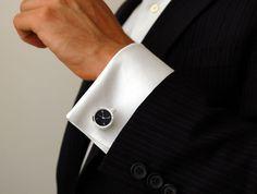 Watch Cufflinks  雖然沒在穿西裝,不過看到西裝這種優雅的小配件還是會心動。