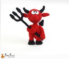 He encontrado este interesante anuncio de Etsy en https://www.etsy.com/es/listing/202047913/little-red-devil-ooak-fantasy-crochet