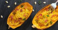 Warum immer ganz klassisch Spaghetti Carbonara, wenn es auch mit Spaghettikürbis geht? Diese Low-Carb-Variante des Klassikers ist einfach gut!