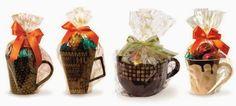 10 ideias para Presentear ou Vender no Dia das Mães e Namorados - Amando Cozinhar - Receitas, dicas de culinária, decoração e muito mais! Chocolates, Extra Money, Gift Baskets, Coffee Mugs, Clip Art, Valentines, Candy, Tableware, Blog