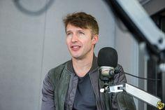"""Il cantautore britannico ha parlato con Tony & Ross del suo nuovo album """"The Afterlove"""", che vede anche la collaborazione eccellente di Ed Sheeran e Ryan Tedder."""