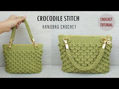 This video tutorial covers how to crochet a crocodile stitch bag. You will learn how to make this charming detail and join today's trends in bag fashion. Crochet Crocodile Stitch, Stitch Crochet, Crochet Yarn, Free Crochet, Crochet Clutch, Crochet Handbags, Crochet Purses, Crochet Bag Tutorials, Crochet Videos