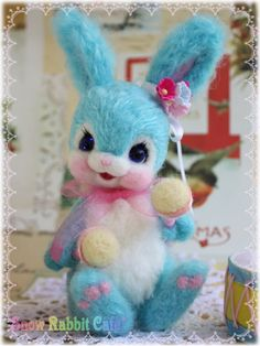 Needle felted bunny made by Snow Rabbit Cafe Japan