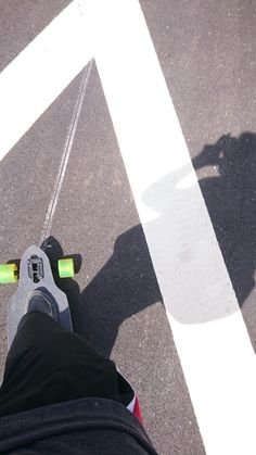 Found an ultimative speedway for my longboard @new Boulevard Düsseldorf  #longboard #Düsseldorf