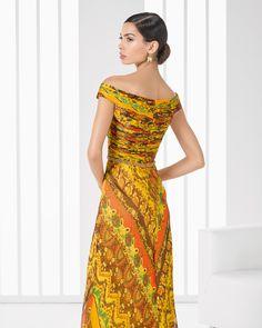 9T278 vestido y chal de bambula seda estampado y pedreria.