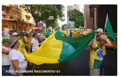 Gu @reminiscences   Povo na rua!!! Lindo lindo!!! parabéns povo brasileiro!!!