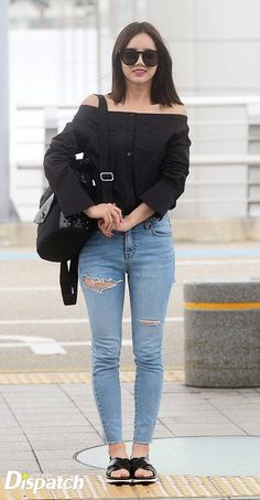 "Hyeri (Girls Day)-Love or Hate ? ""Life is short but check yourself in the mirror before you go out"" Korean Airport Fashion, Korea Fashion, Kpop Fashion, Asian Fashion, Girl Fashion, Fashion Outfits, Fashion Trends, Style Fashion, Girl's Day Hyeri"