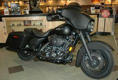 2014. Harley Davidson  Street  glide. Black