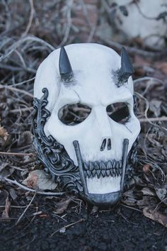 ✔ Anime Face Mask Aesthetic – Keep up with the times. Mascara Oni, Avocado Mask, Full Face Mask, Face Face, Armadura Medieval, Airsoft Helmet, Skull Mask, Skeleton Mask, Masks Art