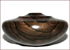 beautiful example of Ziricote Wood [I don't post woods, just shapes I like and this is a shape I like; just as impressive in nearly any quality wood]. Wood Turning Projects, Wood Projects, Lathe Projects, Wood Lathe, Router Wood, Cnc Router, Got Wood, Wooden Vase, Wood Creations