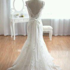 Lovewhite collection www.lovewhite.com.au #weddingdresses #bridaldresses #bridalgrown #yarravalleyweddings #madetomeasure #marryme #designyourdress #bestweddingdresses #dreamdress #simplewedding #weddingexpo #vail #weddingaccessories #planyourwedding #lovewhitebridal #engaged #weddingvenue #melbourneweddingexpo #melbournebreakfast
