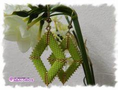 Peyote Diamond Earrings. Full tute but translate.  #Seed #Bead #Tutorials