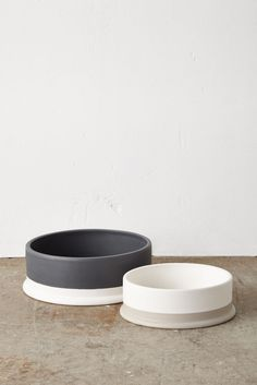 Mark Tuckey for Cotton On pet bowls. - Tap the pin for the most adorable pawtastic fur baby apparel! You'll love the dog clothes and cat clothes! Dog Food Bowls, Pet Bowls, Cute Dog Bowls, Dog Accesories, Pet Accessories, Accessories Online, Wedding Accessories, Ceramic Dog Bowl, Keramik Vase