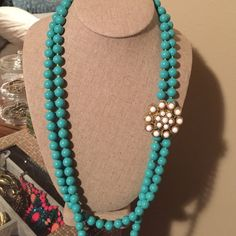Stella & Dot Teal Strand with Broach Excellent Condition, removable broach.  Strand can be worn wrapped around several times Stella & Dot Jewelry Necklaces