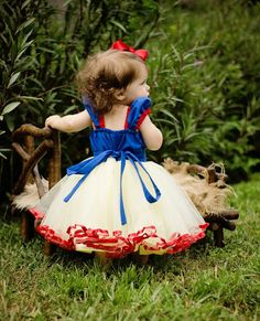 SNOW WHITE costume dress girls princess by loverdoversclothing
