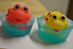 Cooking And Crafting Today: Making kid soaps Easy Gifts, Rubber Duck, Delicious Desserts, Food To Make, Activities For Kids, Diy And Crafts, Soaps, Projects To Try, Cooking Recipes