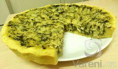 Recept na výborný slaný cuketový koláč, který můžeme podávat jako hlavní jídlo.