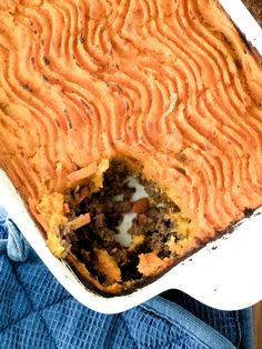 Paleo Shepherd's Pie: This is what is for dinner tonight.hope the hubs likes it :) check more than 350 paleo recipes that you can use for 1 years Atkins, Clean Eating Recipes, Cooking Recipes, Healthy Eating, What Is For Dinner, Whole Food Recipes, Healthy Recipes, Paleo Ideas, Thm Recipes