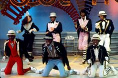 Diary of an ex Soul Train Dancer: Slim The Robot. Lockers on Soul Train 1974 Soul Train Dancers, Graffiti, Street Dance, Stevie Wonder, Hip Hop Rap, Hip Hop Fashion, Back In The Day, Black History, Peace And Love