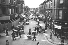 A look back to 1974 with the programme 'The Humours of Moore Street: An Impression in sound and vision of a Dublin market place'. Ireland Pictures, Old Pictures, Old Photos, Dublin Market, Photo Engraving, Dublin City, Emerald Isle, Dublin Ireland, Historical Photos