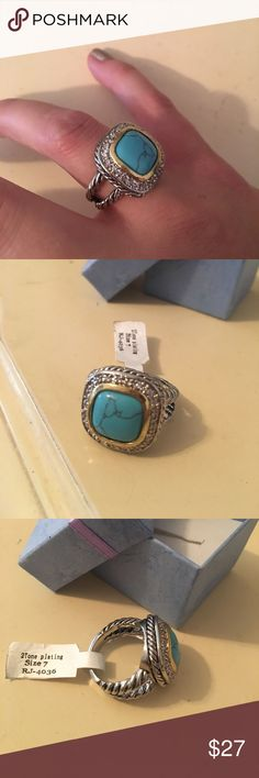 🆕 NWT Turquoise ring Two tone plating, size 7. Lead free, Nicole free. Beautiful costume jewelry. Never worn. Comes in box. Accepting offers Jewelry Rings