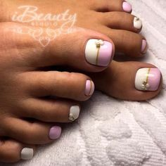 Check it out. Feet Nail Design, Pedicure Nail Designs, Pedicure Nails, Nail Polish Art, Toe Nail Art, Cute Toe Nails, Pretty Nails, Pastel Nail Art, Cute Pedicures