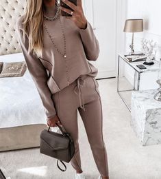 Outfits Mujer, Athleisure Outfits, Athleisure Fashion, Style Casual, Drawstring Pants, Costume, Mode Outfits, Look Fashion, Suit Fashion