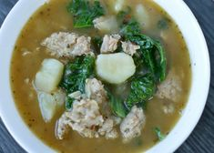 A hearty and warm Sausage, Kale, and Potato Soup full of flavor that only gets better with age. Kale Recipes, Meat Recipes, Cooking Recipes, Dinner Recipes, Healthy Recipes, Cocktail Recipes, Drink Recipes, Crockpot Recipes, Heathly Soup