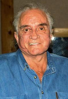Johnny Cash kurz vor seinem Tod am 9. August 2003. Am 26. Februar hätte Johnny Cash seinen 83. Geburtstag gefeiert. Die Country-Legende starb mit 71 Jahren, seine Musik lebt ewig. Mehr dazu hier: http://www.nachrichten.at/nachrichten/kultur/King-of-Country-Music-Erinnerungen-an-Johnny-Cash;art16,1666773 (Bild: epa)