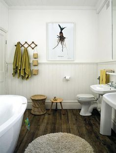 Modern look - traditional bathroom