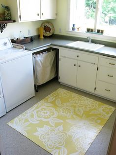 Painted Floor Cloth – Just About Home Painted Floor Cloths, Painted Rug, Painted Floors, Painted Canvas, Diy Canvas, Painted Furniture, Cement Floors, Plywood Floors, Concrete Furniture