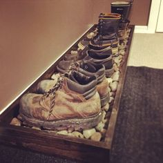 Nice way to deal with nasty work boots! Shoe Storage Mudroom Ideas, Entryway Shoe Rack, Boot Storage, Home Organization, Organizing, Boot Tray, Shoe Rack For Boots, Diy Shoe Rack, Stick Wood Wall