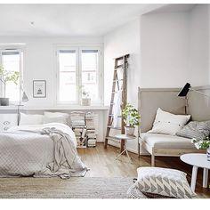 Och en till från Rosengatan. #lägenhettillsalu#fotografanders#stadshem#lägenhettillsalu#linnéstan#inredning#interior#inredningsstylist#emmahos#styledbyemmahos