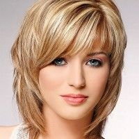 layered haircut for medium lenght hair