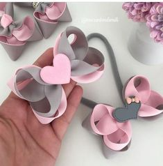 Pinwheel bow or clip salvabrani – Artofit Image gallery – Page 656329345669409349 – Artofit How to make ribbon bow 8 tips to make a 5 inch hair bow step 1 tools and… – Artofit This pin was discovered by tam Carnival sunglasses óculos d – Arto Diy Ribbon, Ribbon Crafts, Ribbon Bows, Ribbons, Making Hair Bows, Diy Hair Bows, How To Make Hair, How To Make Bows, Baby Bows