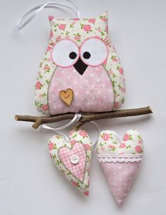 Textile owl do it yourself Pattern owls: Owl Sewing, Sewing Crafts, Sewing Projects, Fabric Toys, Fabric Birds, Felt Owls, Felt Animals, Owl Patterns, Sewing Patterns
