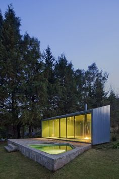 Small Homes / Living Large in a Stylish Space: Pavilion in the Woods / Parque Humano