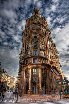 Edificio Banco de Valencia (Bank of Valencia).  #Valencia #Spain More inspiration at Bed and Breakfast Valencia Mindfulness Retreat: www.valenciamindfulnessretreat.org .