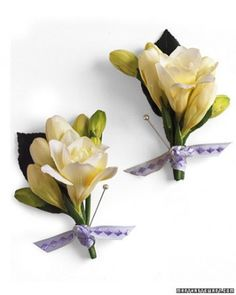 Ask florist for 2 boutonnieres--1 for the ceremony and 1 for the pictures so it looks fresh!
