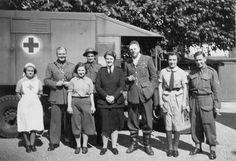 Battle of Britain Spitfire Crash Sittingbourne 30.8.1940 Pilot and rescuers