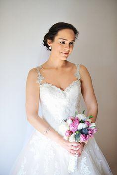 Retrato noiva em Casamento romântico Campestre no Alentejo | Bride portrait ideas and photography style in Portugal countryside Wedding | Photography by Hélio Cristóvão / Foto de Sonho