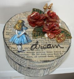 Alice In Wonderland themed jewellery box or trinket box £10.00