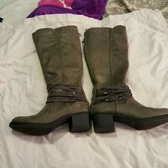 Boots Gray suede boots with back zipper Shoes Combat & Moto Boots