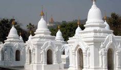 Entering-the-Kuthodaw-Pagoda-Myanmar-travel-guide. Guiddoo