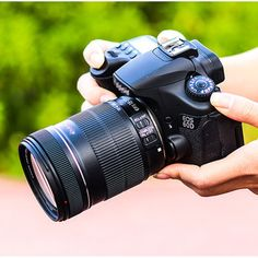A Simple Guide to the Different Types of Digital Cameras. Getting to know the most popular types of cameras for photography is the first step in finding the best camera for you. Reflex Camera, Camera Lens, Underwater Photography, Digital Photography, Best Film Cameras, System Camera, Point And Shoot Camera, Types Of Cameras, Video Camera