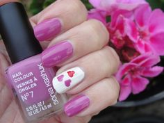 Pink-Fuchsia nails with pink and red hearts. Click to see 3 SWEET VALENTINE´S DAY NAILDESIGNS & HOW TO DRAW HEARTS! | Beauty4Free2U