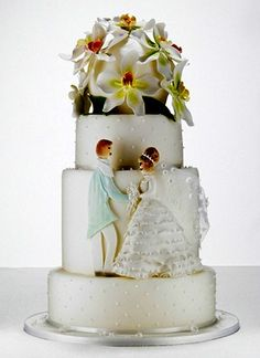 cute bride and groom cake