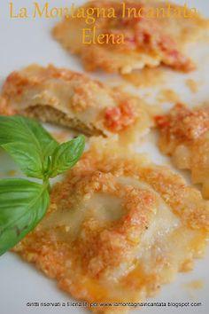 Ravioli ripieni di cernia e pistacchio con pesto ai carciofi e datterino