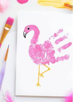 Handabdruck Bild gestalten, rosa Flamingo zeichnen, tolle Ideen für Kleinkinder