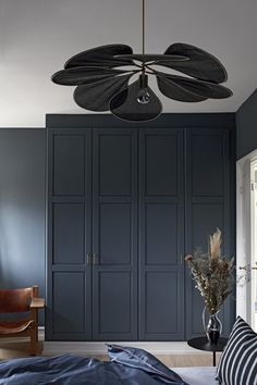 Beautiful homemade built-in closet with elements from IKEA. Bedroom Closet Design, Bedroom Wardrobe, Home Room Design, Built In Wardrobe, Home Bedroom, Bedroom Decor, Interior Exterior, Interior Design, Kitchen Ikea